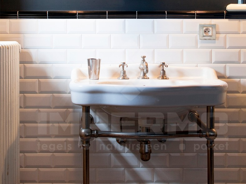 Metro Tegel Wit : Tegels keuken witte minimalistische tegels zwart wit hal metro