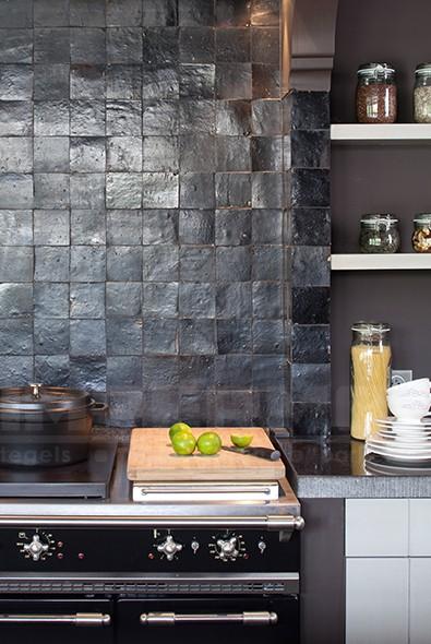 Marokkaanse Tegels Keuken : -keuken-zwart-tundra-impermo-wandtegel-handgemaakte-tegels-tegel